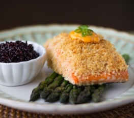 Panko Crusted Salmon with Spicy Sriracha Sauce